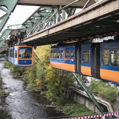 """Die """"Großstadt im Grünen"""" liegt südlich des Ruhrgebietes und ist als siebzehntgrößte Stadt Deutschlands eines der Oberzentren des Landes Nordrhein-Westfalen."""